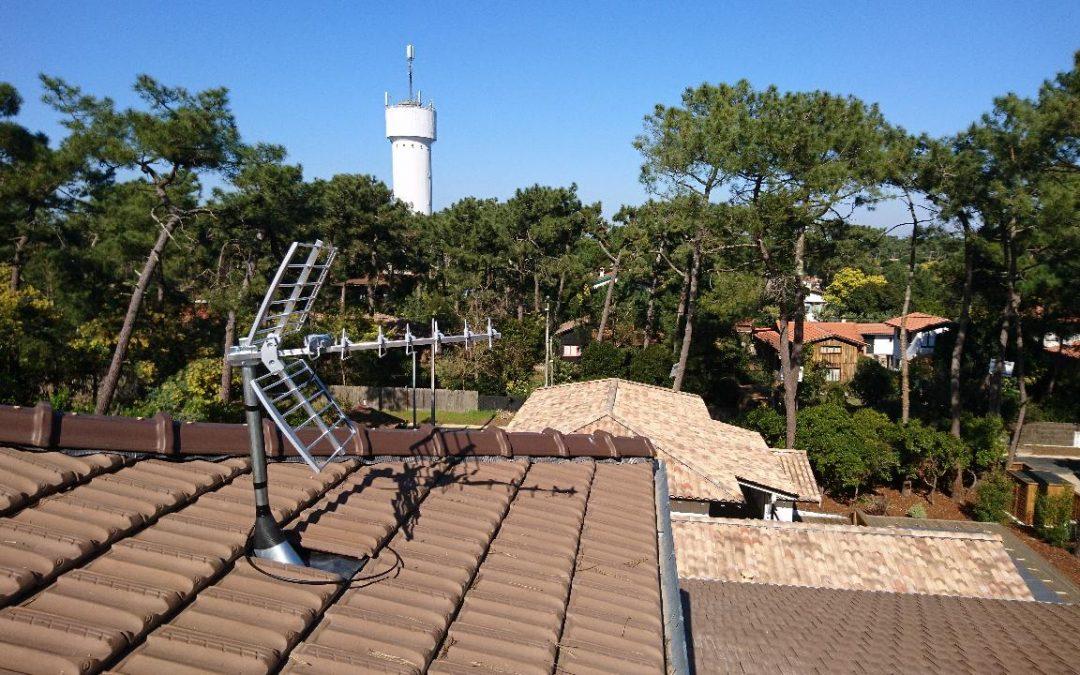 antenne-UHF-discrete-cap-ferret